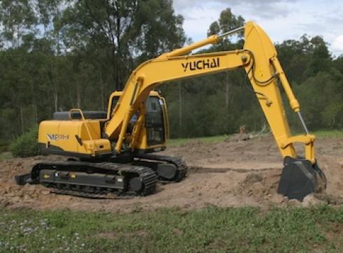 13T Yuchai YC135-8 13 tonne Excavator 1