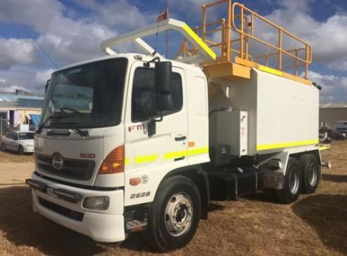 14,000L Hino FM 500 Water Truck 1