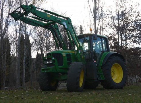 140 hp John Deere 6830 Tractor With Cabin & Loader