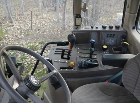 140 hp John Deere 6830 Tractor With Cabin & Loader  3