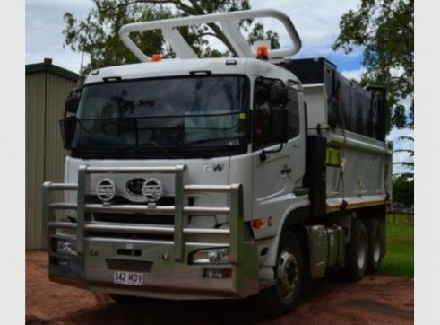 14000lt Mine Spec Water Truck 2