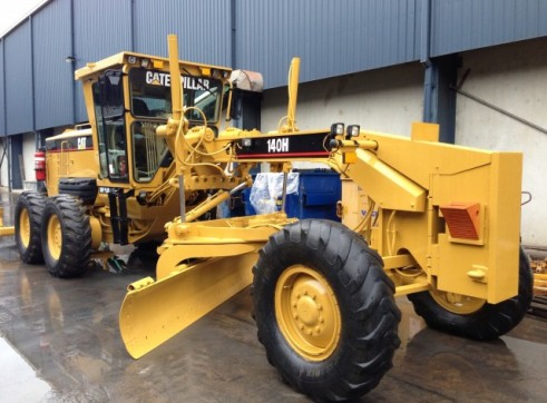 140H Series 2 Caterpillar Grader 1