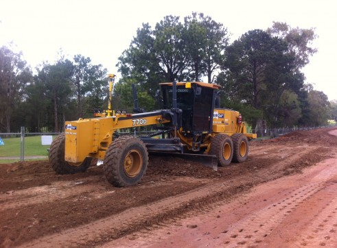 14ft Grader w/Rippers - Push Block - GPS/UTS & Total station 3