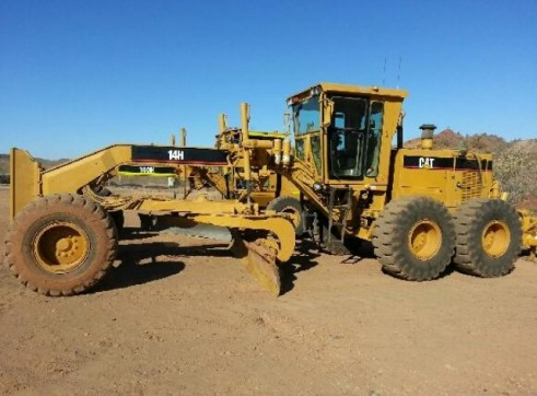 14h Grader with Fitter / Operator 1