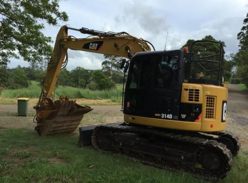 14T Caterpillar Excavator w/ROPS & FOPS 3