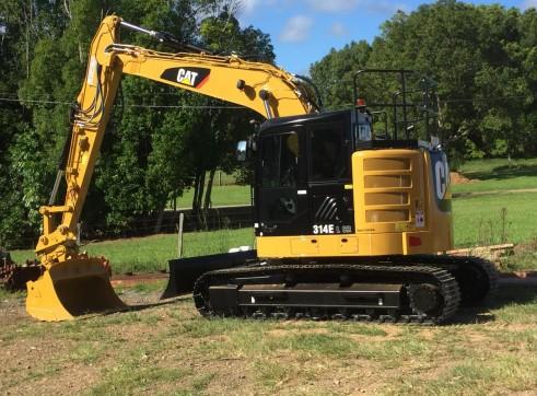 14T Caterpillar Excavator w/ROPS & FOPS