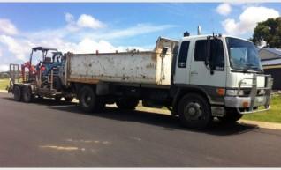 1.5 tonne Excavator Combo 1