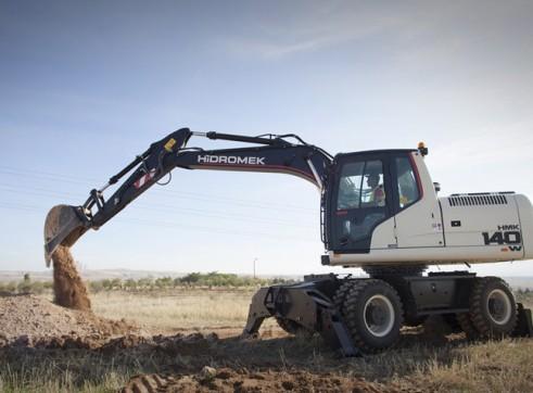 15.7T Hidromek HMK 140 W Wheeled Excavator 2