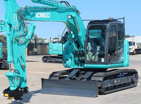 15T Kobelco Excavator
