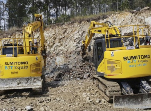 15T Sumitomo Excavator - Zero Swing 2