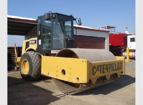 16 Tonne Caterpillar CS583D Smooth Drum Roller 2