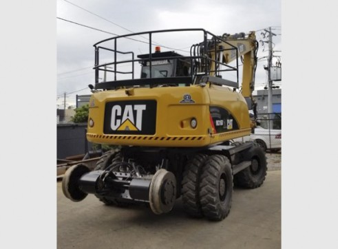 16T Caterpillar Wheeled Hi-Rail Excavator 2