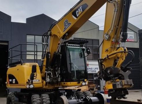 16T Caterpillar Wheeled Hi-Rail Excavator 3