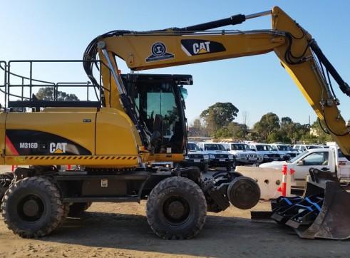 16T Caterpillar Wheeled Hi-Rail Excavator 1