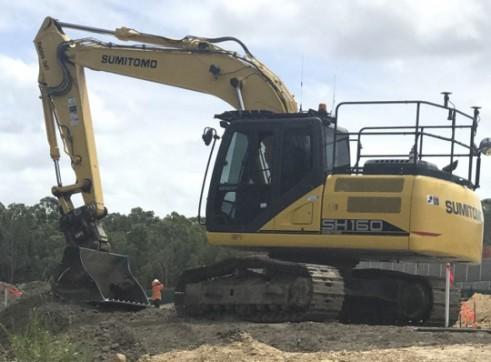 16T Sumitomo Excavator 1