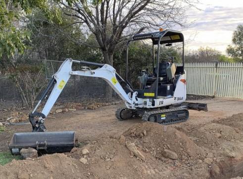 1.7T Bobcat Mini Excavator 1
