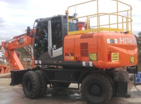 17T Hitachi Wheeled Excavators 1