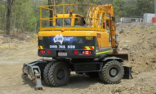 17T Wheeled Excavator 1