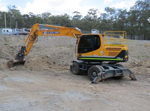 17T Wheeled Excavator 2
