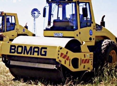 18T Bomag Smooth Drum Roller 1