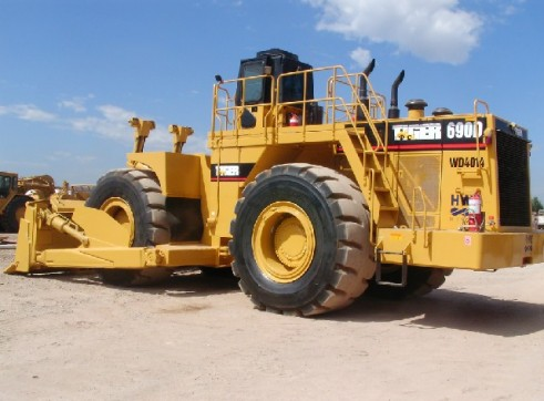 1996 Caterpillar 690D Wheel Dozer (H6810) 1