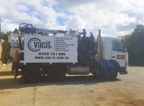 2,000-10,000L Vacuum Excavation Trucks 2