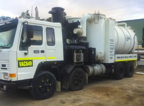 2,000-10,000L Vacuum Excavation Trucks 3