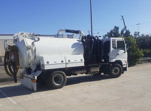 2,000-10,000L Vacuum Excavation Trucks 1