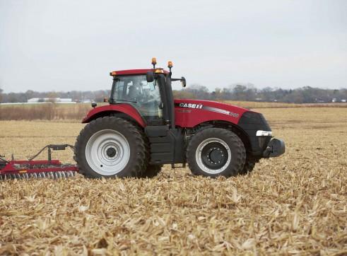 2 x 340 Magnum Tractors 2