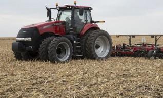 2 x 340 Magnum Tractors 1