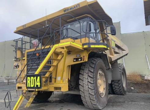 2 x Komatsu 785 Dump Trucks 2