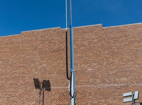 2 x Metal Halide Lighting Towers 1