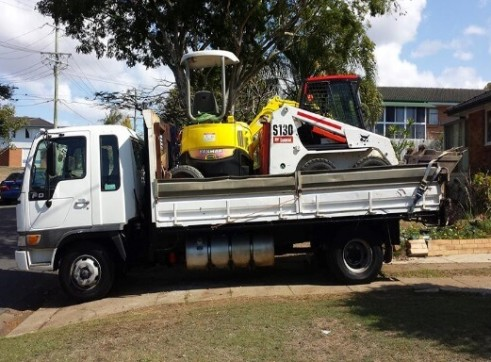 2.5T Excavator & S130 Bobcat Combo 2