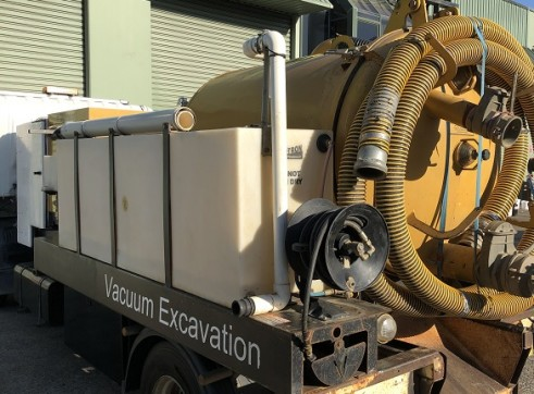 2000 Litre Hydroexcavation truck For Sale 10