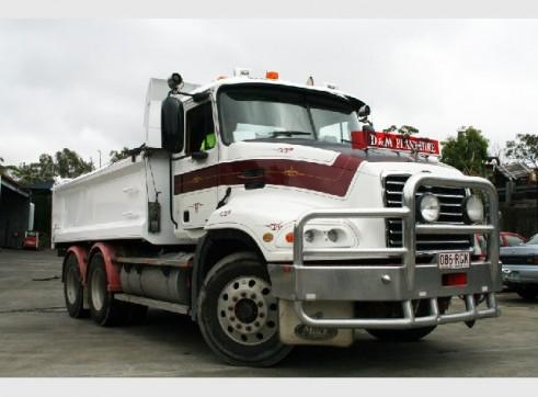 2005 Mack Fleetliner Tip Truck 3