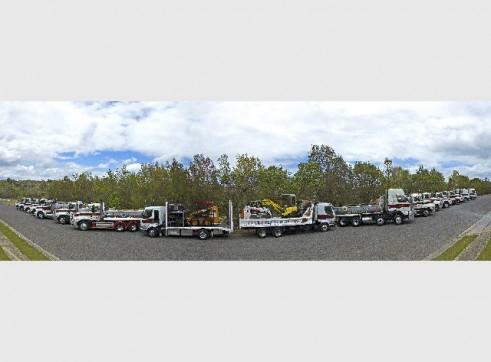 2005 Mack Fleetliner Tip Truck 1