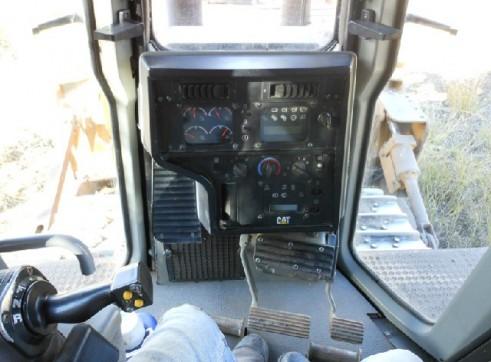 2007 D7R Dozer 4