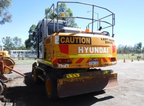 2008 Hyundai R140W-7 Wheeled Excavator 4