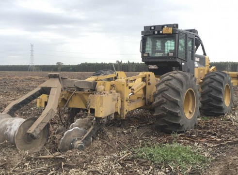 200HP Caterpillar 525C Skidder 2