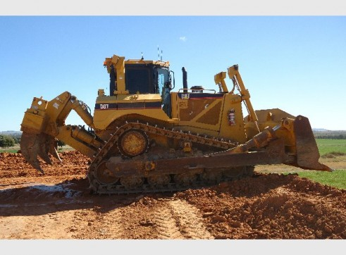2010 Caterpillar D8T (DEMO AD) 1