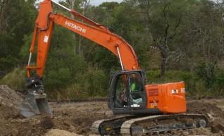 2011-2013 Hitachi ZX225 23t Excavator zero swing 1