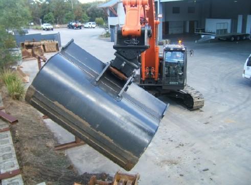 2011-2013 Hitachi ZX225 23t Excavator zero swing 2