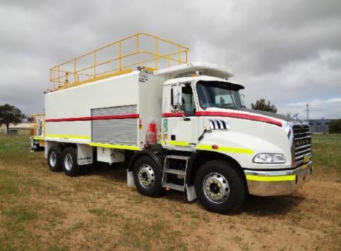 2011 Mack Granite ST414 Service Truck (H6860)