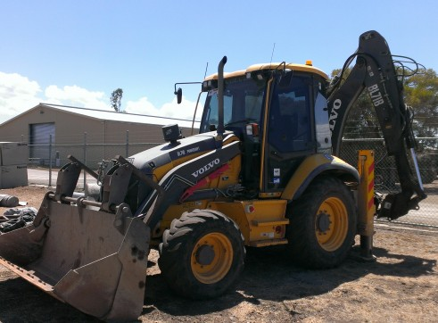 2011 Volvo BL71B Backhoe Wheel Loader 2
