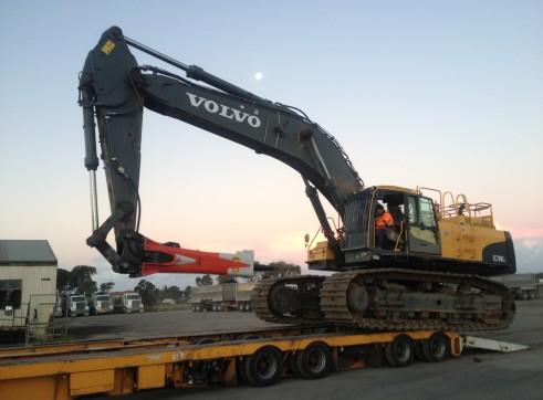 2011 Volvo EC700CL Excavator 2