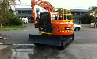 2012/2013 Doosan DX140 LCR 14t Excavator AVAILABLE NOW 1
