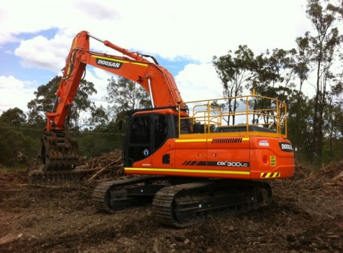 2012/2013 Doosan DX300LC 30t Excavator AVAILABLE NOW 1