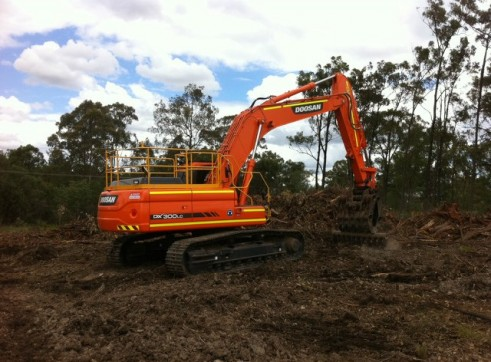 2012/2013 Doosan DX300LC 30t Excavator AVAILABLE NOW 2