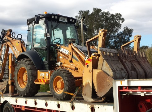 2012 CASE 590ST Backhoe  1