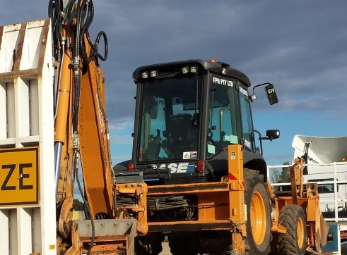 2012 CASE 590ST Backhoe  3